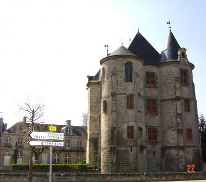 Le donjon de Vic sur Aisne