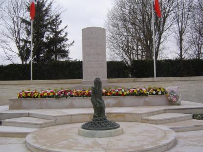 Royallieu: le monument fleuri